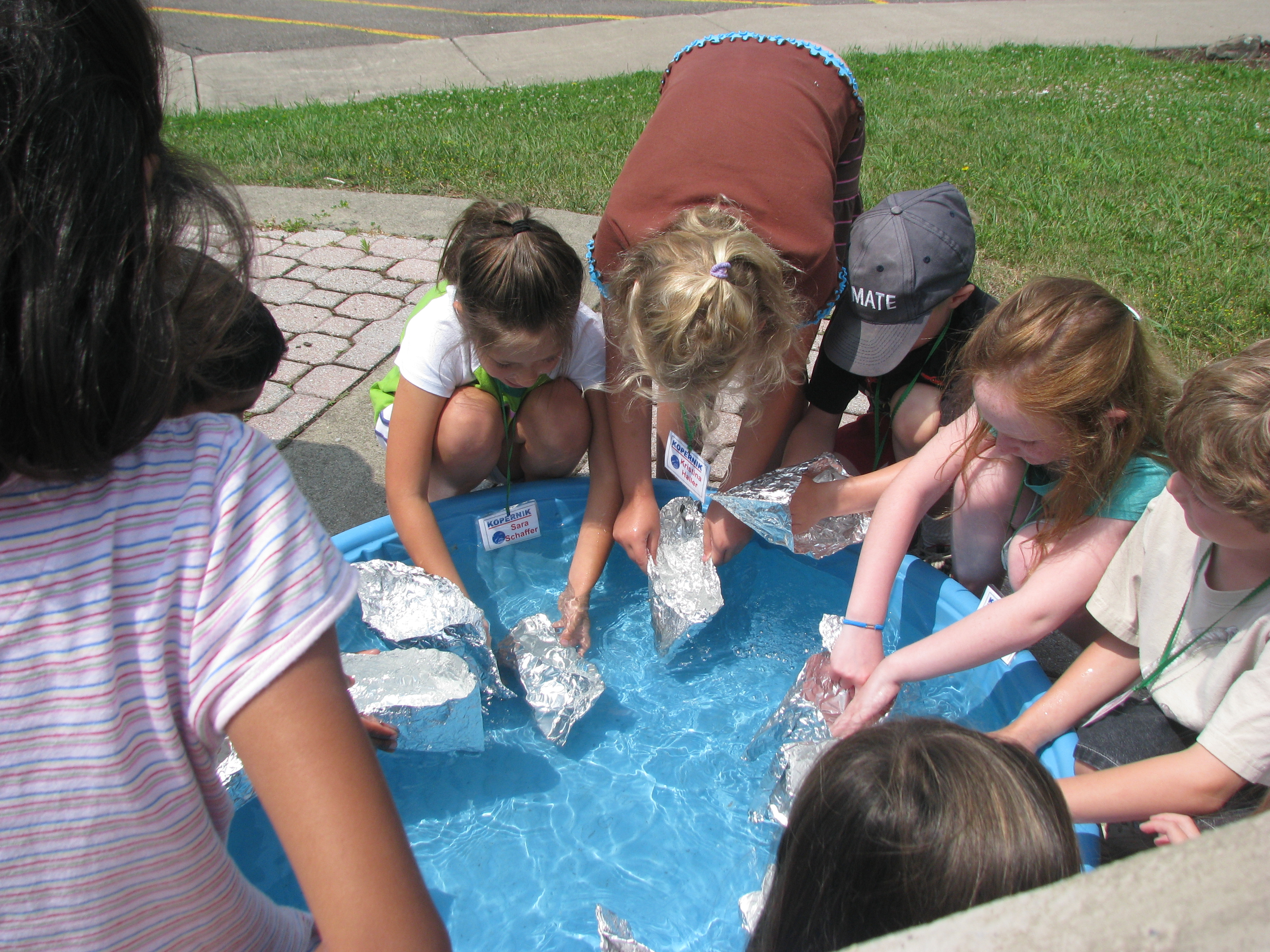 Summer camps kopernik observatory science center each day will have a different theme daily activities for the students will range from building electric circuits experimenting with bubbling liquids malvernweather Gallery